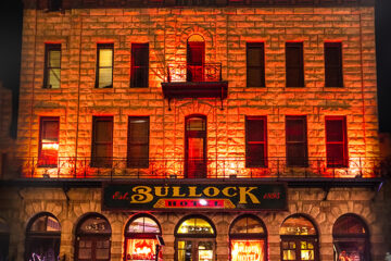 the Bullock Hotel in Deadwood at night