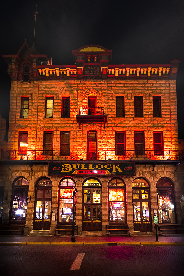 the Bullock Hotel in Deadwood at night